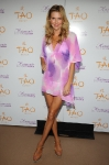 brandi-glanville-at-tao-beach-for-single-and-fabulous-party-with-hpnotiq-harmonie