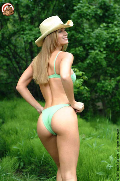 Jana bikini model in green bikini and cowboy hat